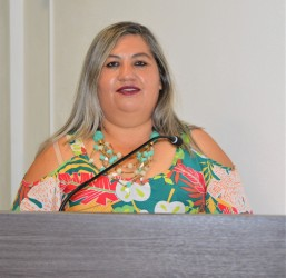 Ver. Andréia Margarete Oliveira Fochezatto (PT)